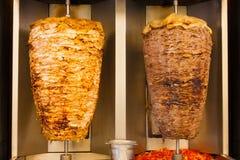 Carne grelhada do fast food de Shawerma do cordeiro da galinha imagens de stock royalty free