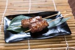 Carne japonesa de Kushiyaki de la carne de vaca, haber ensartado y asada a la parrilla Fotografía de archivo libre de regalías