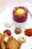 Carne a la tártara del solomillo Imagen de archivo libre de regalías