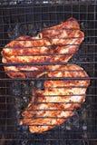 Carne sabrosa, cocinada en la parrilla fotografía de archivo