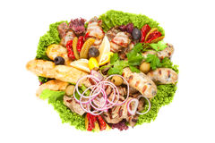 Carne, salsiccie e verdure cotte Immagini Stock Libere da Diritti
