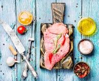 Carne sin procesar de la carne de vaca Fotografía de archivo