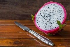 carne succosa del dragonfruit e dolce bianca fotografia stock
