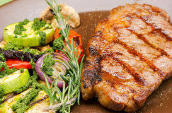 Carne sulla griglia Immagine Stock Libera da Diritti