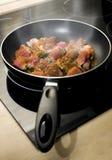 Carne sulla vaschetta di frittura Fotografia Stock