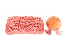 Carne tritata, cipolla ed aglio. immagini stock libere da diritti