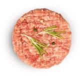 Carne triturada crua com os ingredientes para cozinhar imagens de stock royalty free