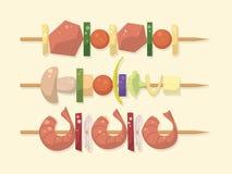 Carne, vegetariano, pinchos de los mariscos con los pedazos Shashlik Barbacoa Fotos de archivo