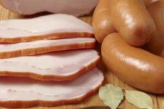 Carne y salchichas Imágenes de archivo libres de regalías