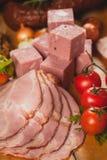 Carne y salchichas fumadas Fotografía de archivo
