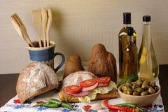 Carne y tomates rebanados Imagen de archivo libre de regalías