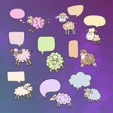 Carneiros ajustados com bolhas do discurso Símbolo 2015 anos, ano de carneiros Fotos de Stock Royalty Free