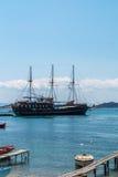 Carneiros no mar azul fotos de stock royalty free