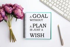 Carnet avec la citation inspirée - un but sans plan est juste un souhait photographie stock