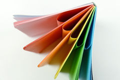 Carnet avec les feuilles colorées Photo stock