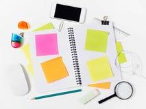 Carnet avec les notes et les approvisionnements adhezive Image libre de droits