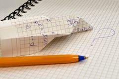 Carnet d'école avec le stylo et la huche Image stock