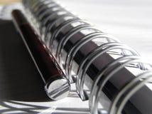 Carnet et crayon lecteur 5 image libre de droits