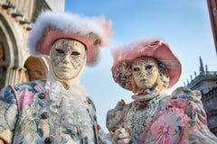 Carneval面具在威尼斯-威尼斯式服装 库存照片