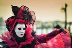 Carneval maskering i Venedig - Venetian dräkt Arkivbilder