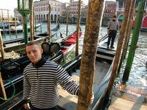 carnevale平底船的船夫威尼斯 免版税库存照片