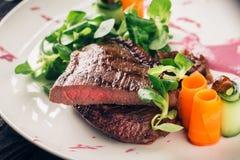 Carni - bistecca di controfiletto arrostita Immagini Stock Libere da Diritti