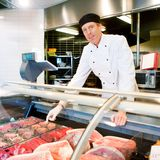 Carnicero de la carne fresca Imágenes de archivo libres de regalías