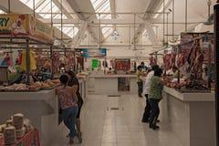 Carnicero en el Mercado Ignacio Manuel Altamirano, Chetumal, México Imagen de archivo libre de regalías
