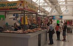 Carnicero en el Mercado Ignacio Manuel Altamirano, Chetumal, México Foto de archivo