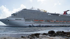 Carnival Breeze docked in Willemstad, Curacao Stock Photography