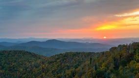 Carolina Blue Ridge Mountain Sunrise norte imagens de stock