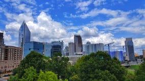 Carolina Blue Sky sobre Charlotte, NC Foto de archivo libre de regalías