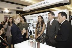 Carolina Herrera visitant le Pérou photo libre de droits