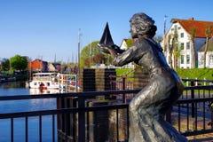 Carolinensiel-Hafenstatue Stockfoto