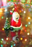 caroling的克劳斯・圣诞老人 免版税库存图片