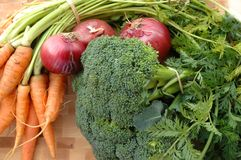 Carote, broccolo, cipolle rosse Fotografie Stock Libere da Diritti