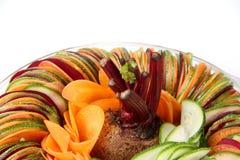 Carotte de betteraves de concombre de salade coupée en tranches Image stock