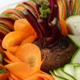 Carotte de betteraves de concombre de salade coupée en tranches Photos stock