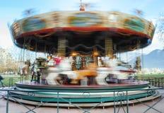 Carousel весел-идти-круглый пока округляющ стоковое изображение rf