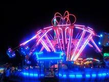 Carousel Lit отбрасывая в вечере Стоковые Изображения RF