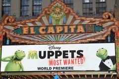 Carpa que anuncia los Muppets más deseados Foto de archivo libre de regalías