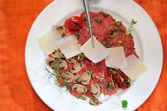Carpaccio του κρέατος και των μανιταριών Στοκ Φωτογραφία