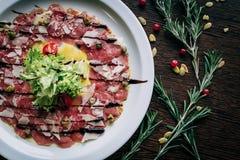 Carpaccio του μοσχαρίσιου κρέατος Στοκ φωτογραφία με δικαίωμα ελεύθερης χρήσης