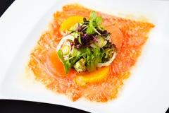 Carpaccio da truta com salada Fotos de Stock Royalty Free