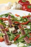 Carpaccio de la carne de vaca; ensalada e ingredientes Fotografía de archivo libre de regalías