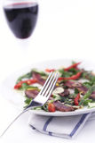 Carpaccio de vin rouge et de boeuf ; DOF peu profond photographie stock
