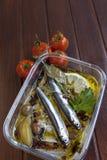 Carpaccio delle sardine con le erbe Mediterranee Immagini Stock Libere da Diritti