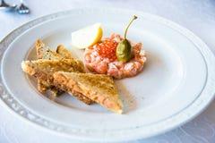 Carpaccio di color salmone con pane bianco Immagine Stock Libera da Diritti