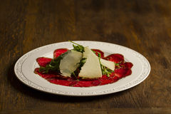 Carpaccio e formaggio Fotografie Stock Libere da Diritti