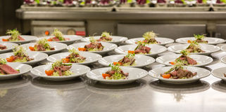 Carpaccio sur la région de préparation de cuisine Image libre de droits